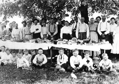 Kendrick and/or Cardwell family picnic, near Springdale, Arkansas, 1910s