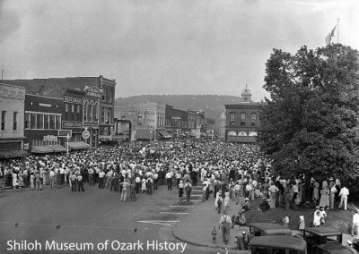 Crowd on the northeast corner of the square, Fayetteville, about 1930.