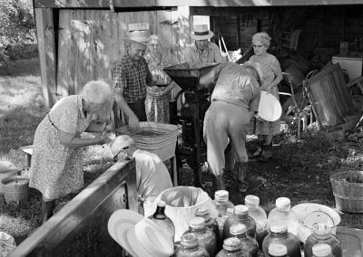 Making cider at the W. E. Roberts home, Baldwin Community (Washington County), September 23, 1965.