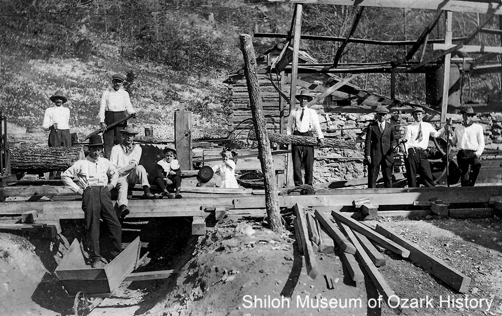 Sawmill, Hickory Creek (Benton County, Arkansas), 1910s.