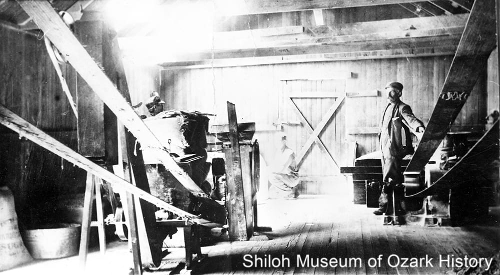 Van Winkle Mill, Van Hollow (Benton County), early 1900s
