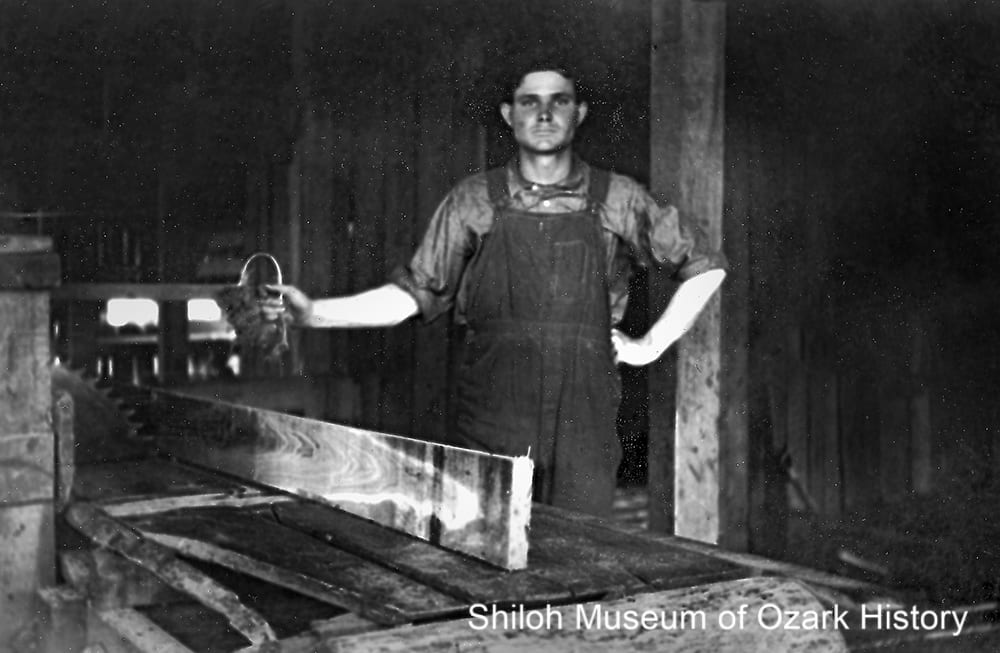 Cutoff table saw at the Albright sawmill, Red Star (Madison County, Arkansas), 1930s.