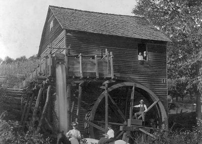 Unidentified mill, probably Strain community (Washington County), about 1900.