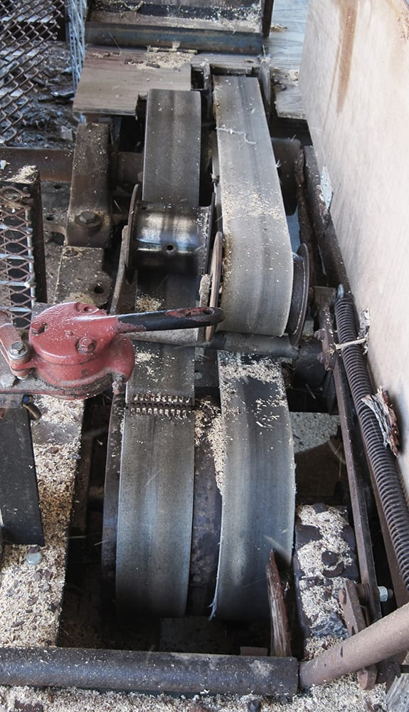 Sawmill pulleys and belts