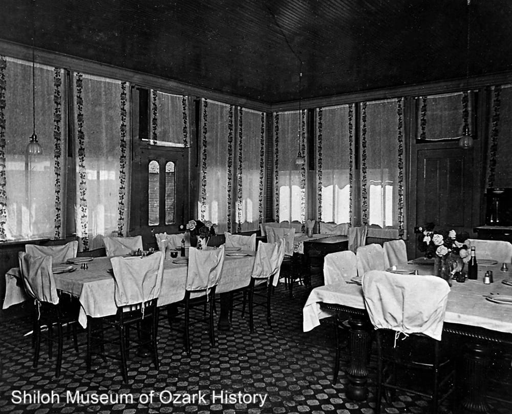 Southern Hotel dining room, early 1900s.