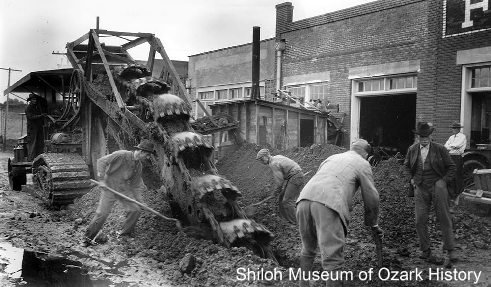 Digging for sewer mains, Harrison, Arkansas, October 1925.