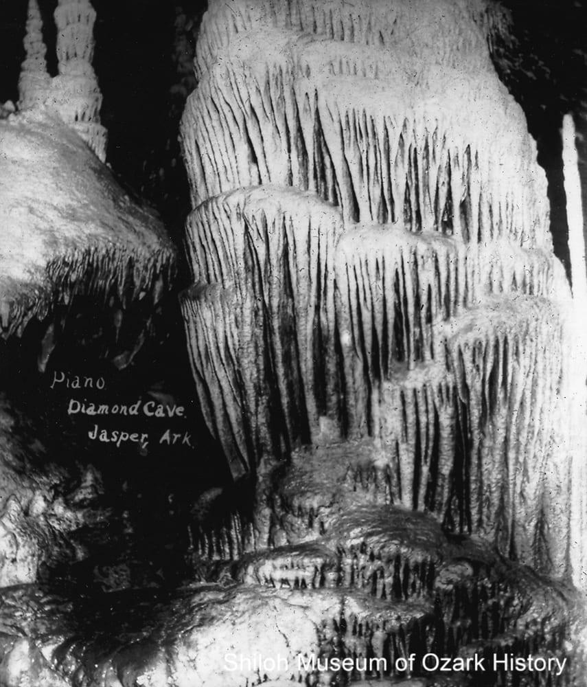 """""""Piano"""" formation, Diamond Cave, near Jasper, Newton County, Arkansas,early 1920s."""