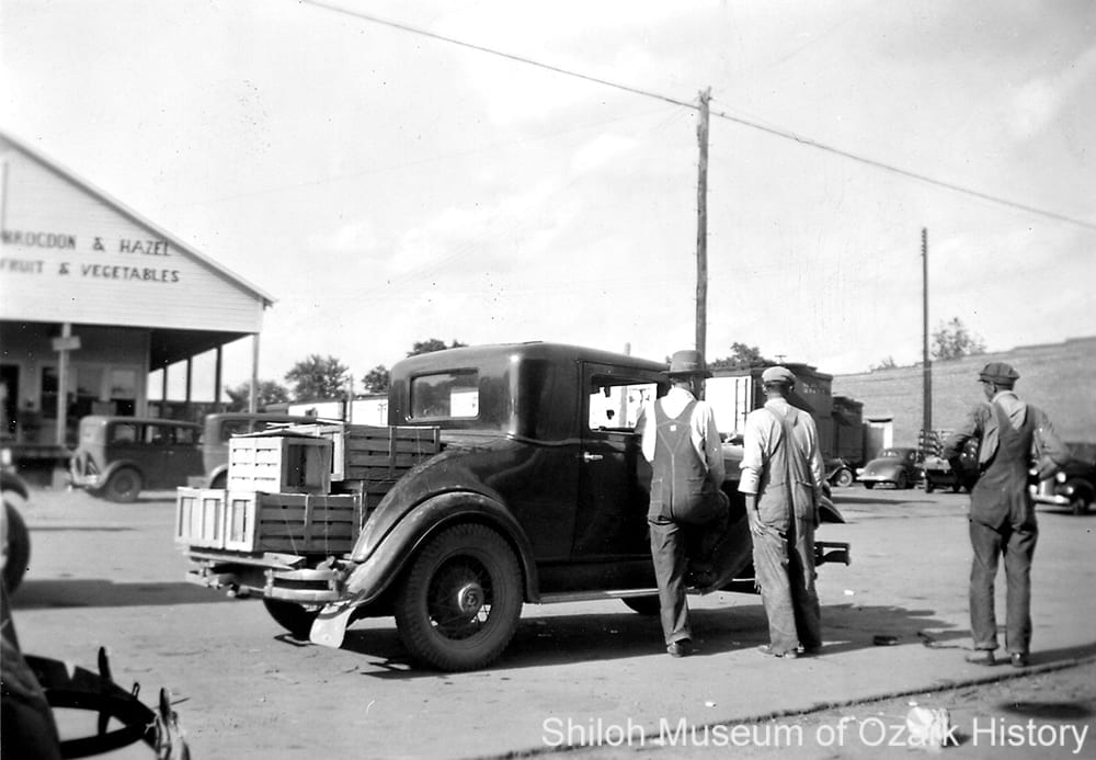 Brogdon and Hazel produce wholesale warehouse on Emma Avenue, Springdale, Arkansas, circa 1939