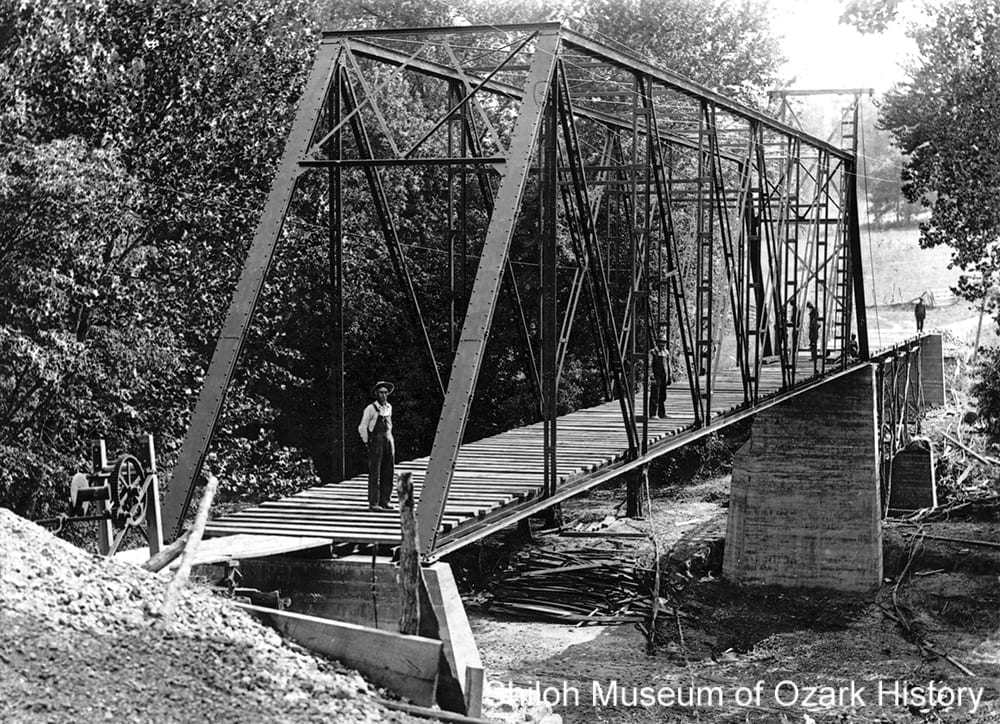 Bridge construction, Osage Creek, Berryville (Carroll County, Arkansas), 1901.