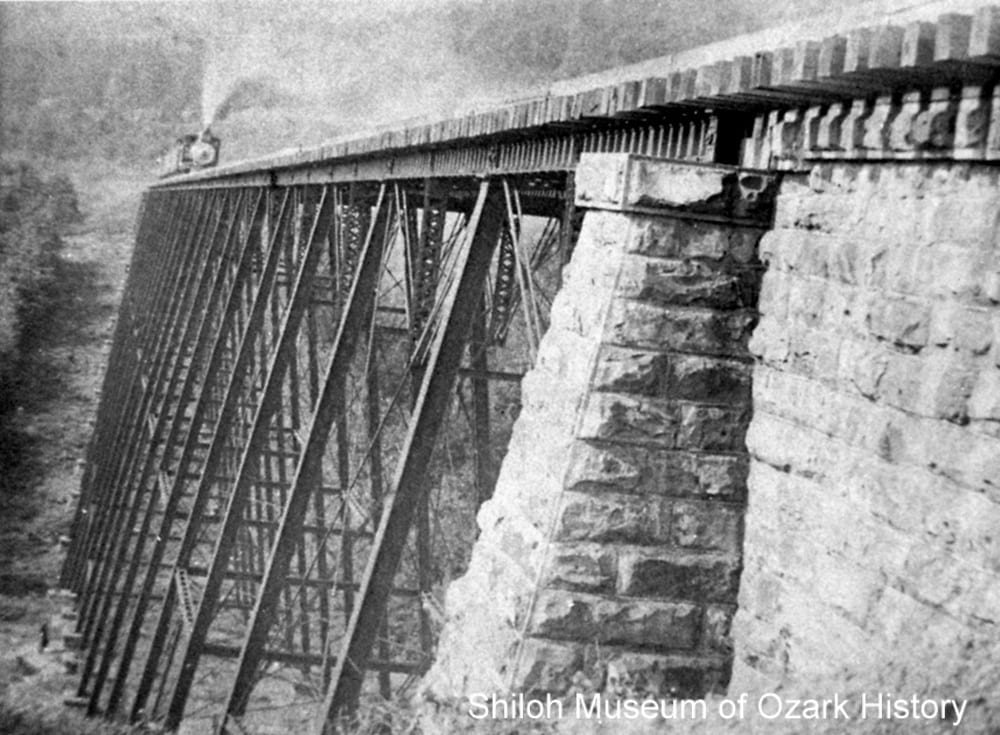 Frisco Railroad trestle #1, Winslow (Washington County, Arkansas), about 1900.
