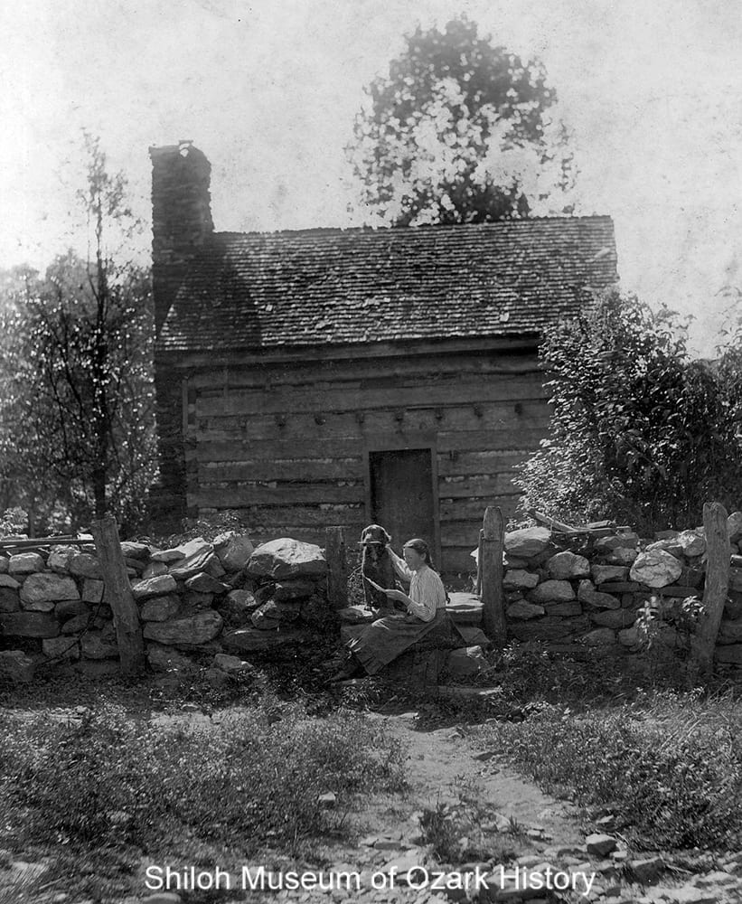 Single pen log cabin, possibly the Strain Community (Washington County), early 1900s.