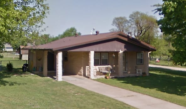 A stack-sack residence in Springdale, Arkansas, 2014. Courtesy Google Maps