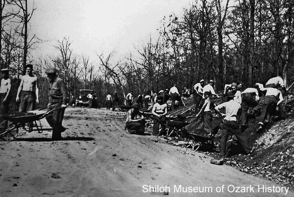 Road builders, Devil's Den State Park, near Winslow (Washington County), 1935.
