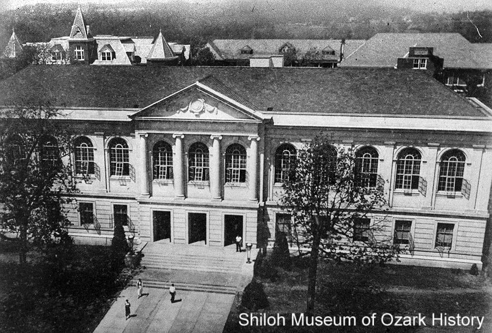 Vol Walker Library, University of Arkansas, 1940s