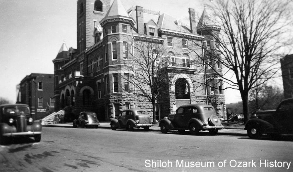 Highway 71 (College Avenue) in front of the Washington County Courthouse, Fayetteville,Arkansas, about 1940.