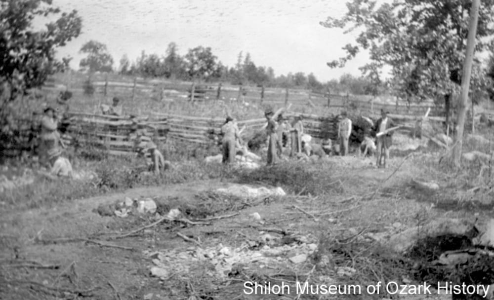 Men building a split-rail fence, possibly Witter Community (Madison County, Arkansas), 1920s–1930s.