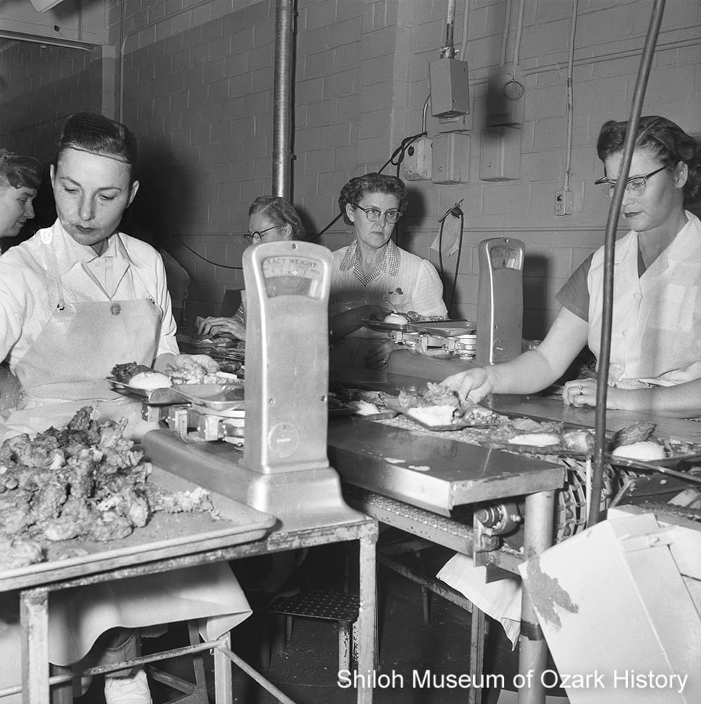 Preparing Swanson fried-chicken TV dinners at Campbell Soup, Fayetteville, Arkansas, 1956.